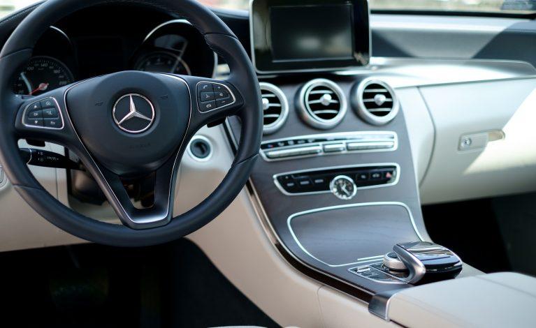 Nowy samochód będzie można zarejestrować online