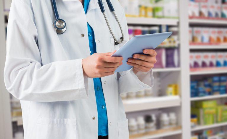 NFZ przyjmuje wnioski od aptek, które chcą szczepić