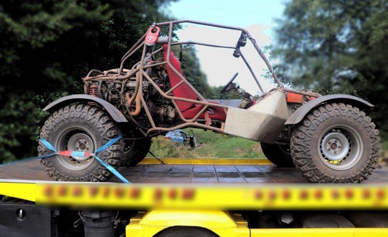 43-latek przygnieciony przez pojazd terenowy własnej konstrukcji. Mężczyzna nie żyje