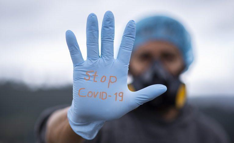 Szczepienia przeciw COVID: jak będzie można weryfikować pracowników?